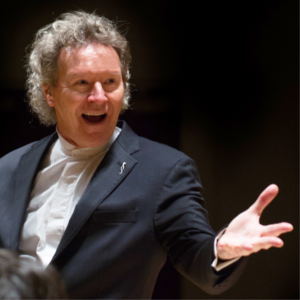 Harry Christophers conducting